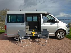 VW California T6 picknic chairs